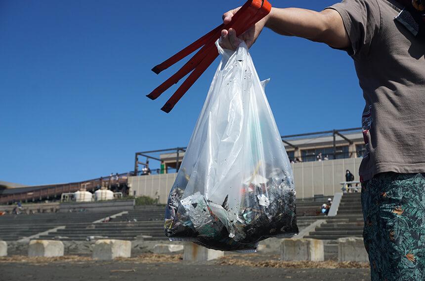 ビーチクリーンで拾ったたくさんのゴミ